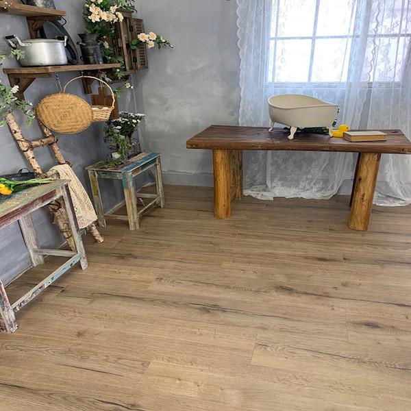Oak Frement Room Scene